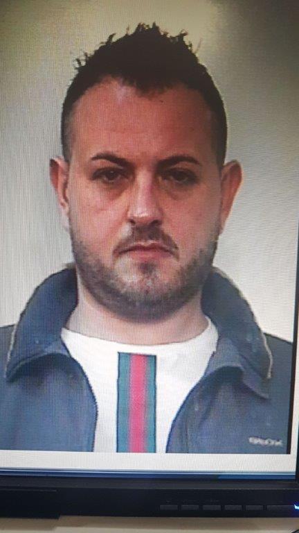 Vairano arresti per droga ecco i nomi e le foto appia news for Arresti a poggiomarino per droga